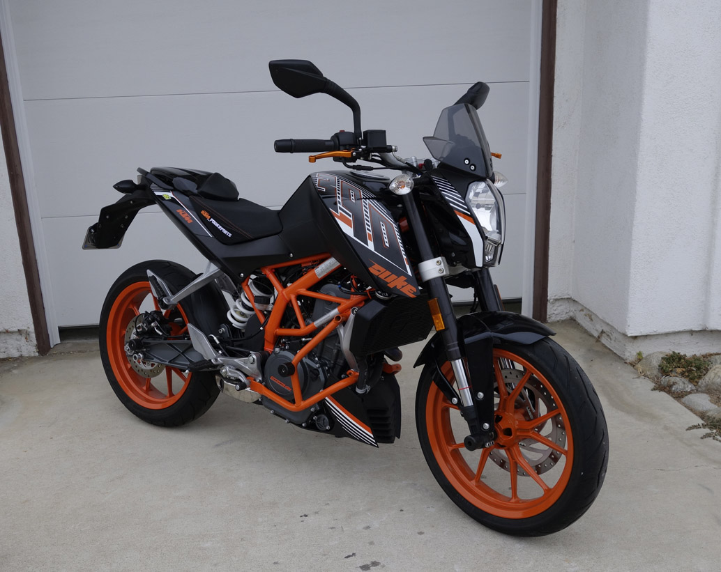 windscreen replacement a cautionary tale ktm duke 390. Black Bedroom Furniture Sets. Home Design Ideas
