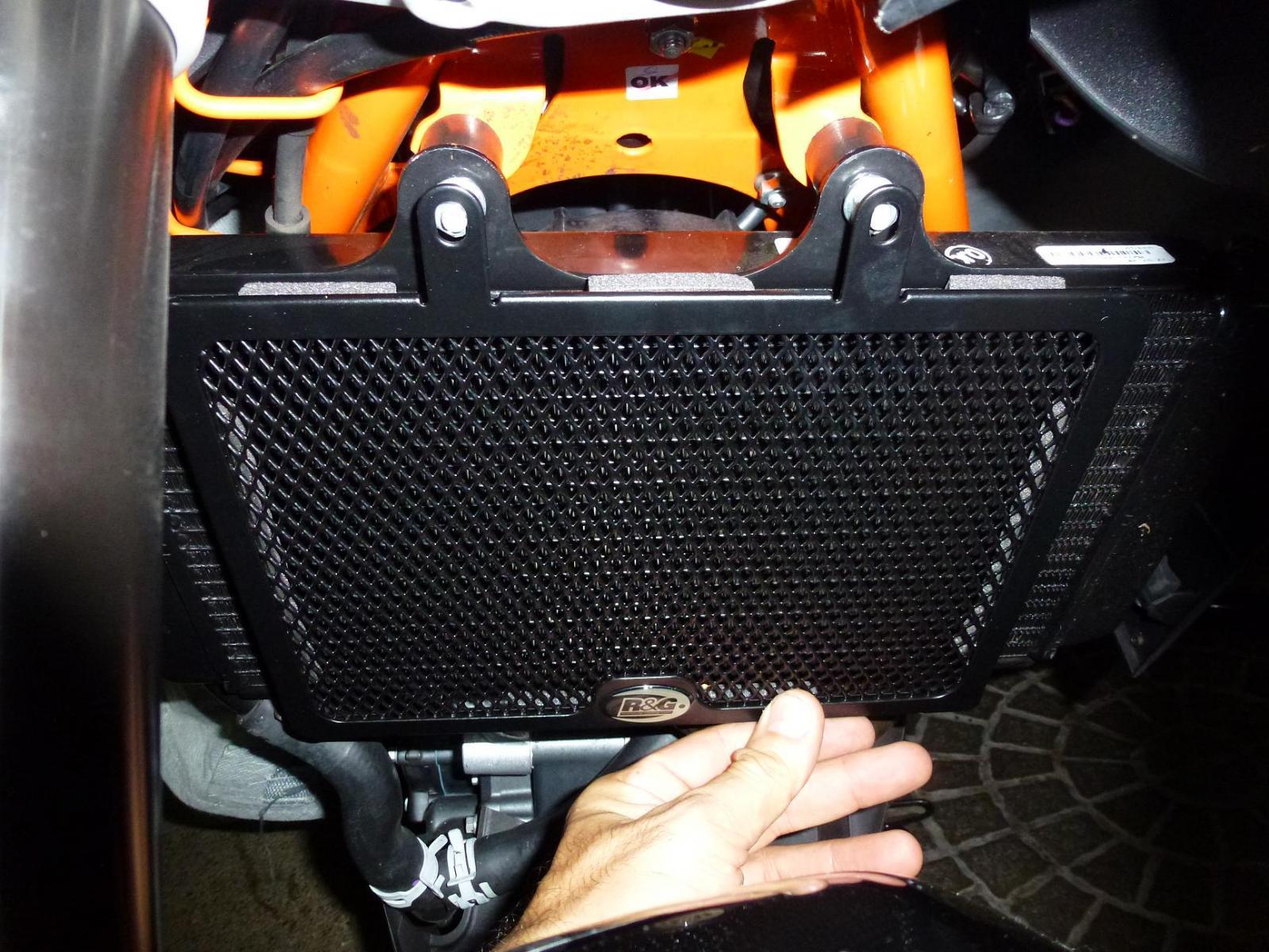 My Whip-r-g-radiator-guards-ktm-390-duke-002.jpg