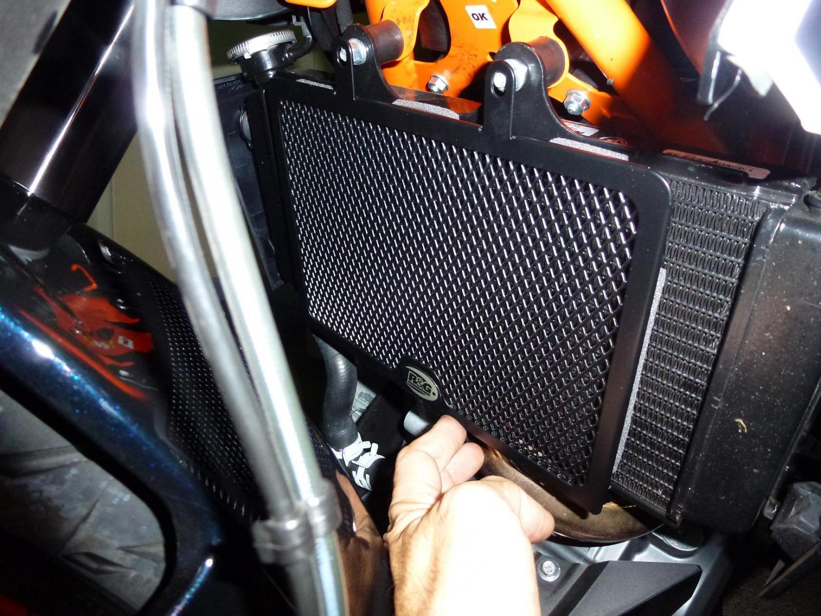 My Whip-r-g-radiator-guards-ktm-390-duke-003.jpg